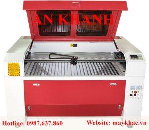 may-khac-laser-1390-pha-le