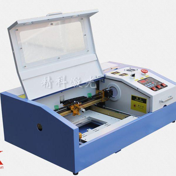 Máy khắc laser 3020 cắt khắc trên mọi chất liệu
