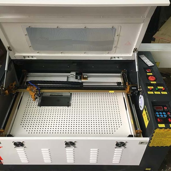 Máy cắt laser 6040 uy tín