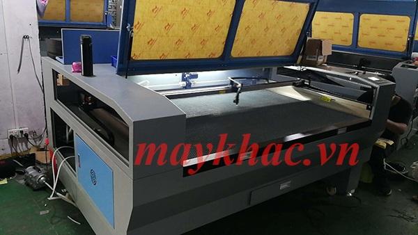 Máy khắc laser 6090 chính hãng