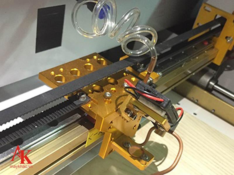 Nhấn khởi động để làm nóng máy và chọn chế độ Raster hoặc Vector phù hợp.