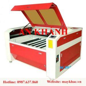 may-khac-laser-1390-cat-thiep-cuoi