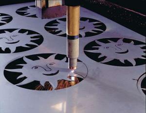 Nguyên lý hoạt động của máy cắt laser inox