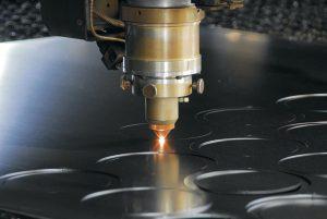 Đầu cắt của máy laser không ra tia laser