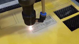 Khắc cao su bằng máy khắc laser