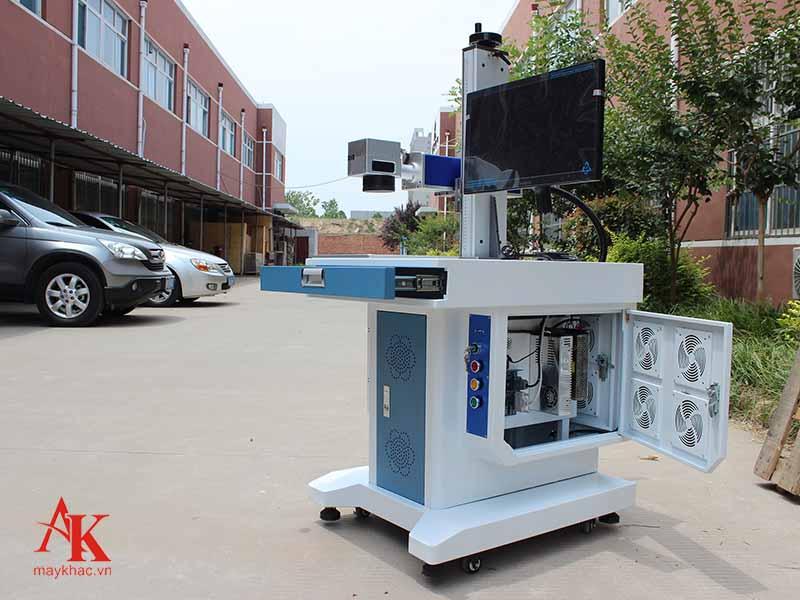 Máy khắc laser fiber kim loại công suất 20W khắc trên các vật liệu kim loại có độ cứng thấp