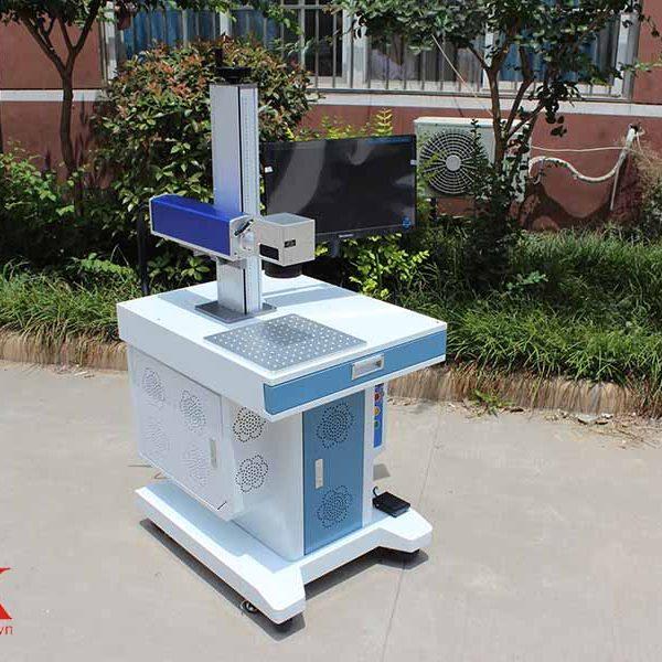 Máy khắc laser form 1 uy tín