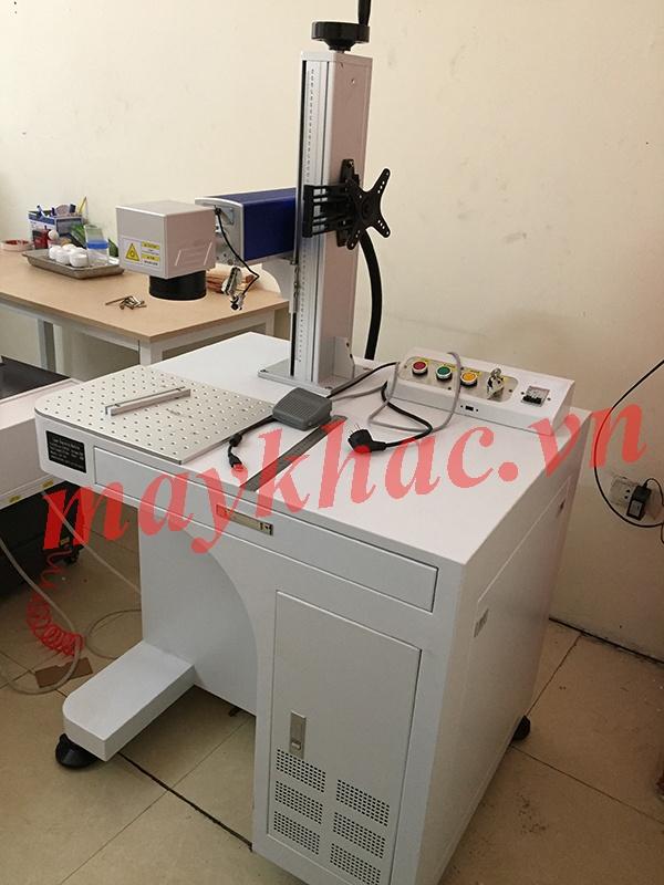 Máy khắc laser fiber kim loại – Form 2
