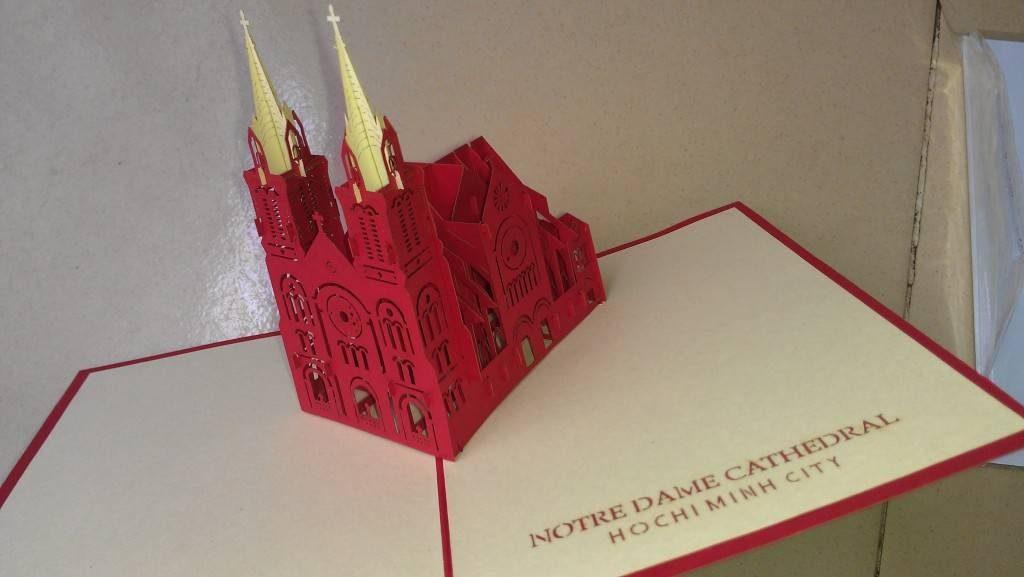 nhà thờ lớn Notre Dame pop up