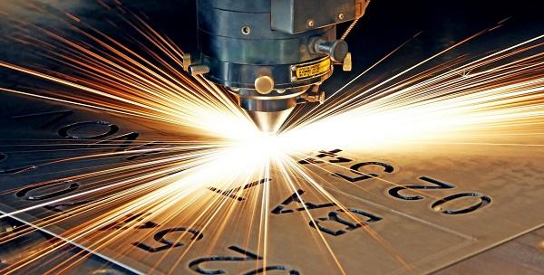 Khắc kim loại bằng máy khắc laser