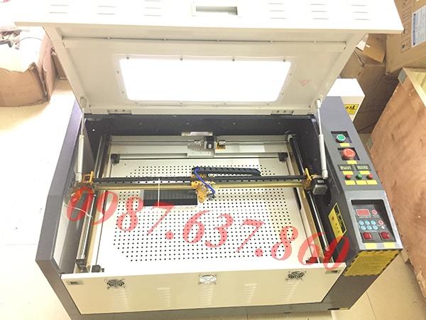 Máy cắt kính cường lực laser 6040