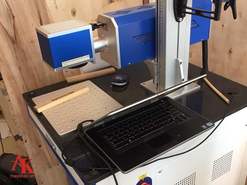 Hình ảnh chân thực về máy khắc laser CO2 siêu tốc ống kim loại tại An Khánh.