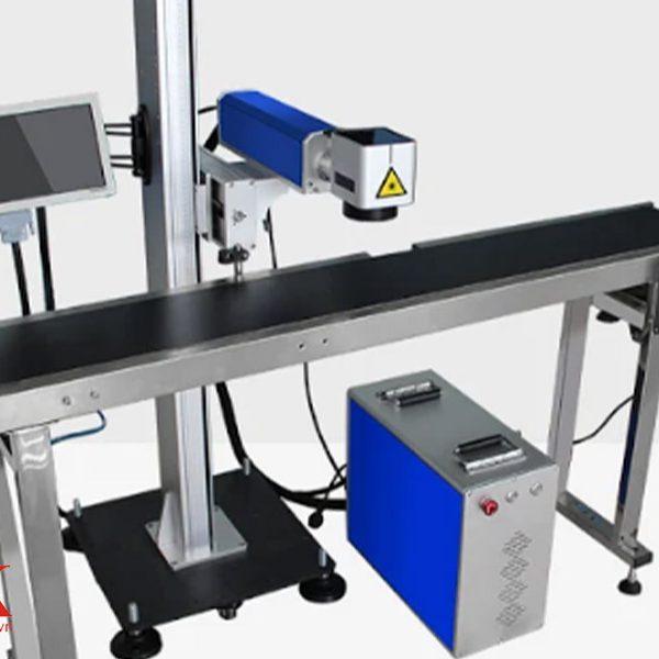 Máy khắc laser form 6 có thiết kế tương đối gọn nhẹ, dễ dàng lắp ráp và sử dụng