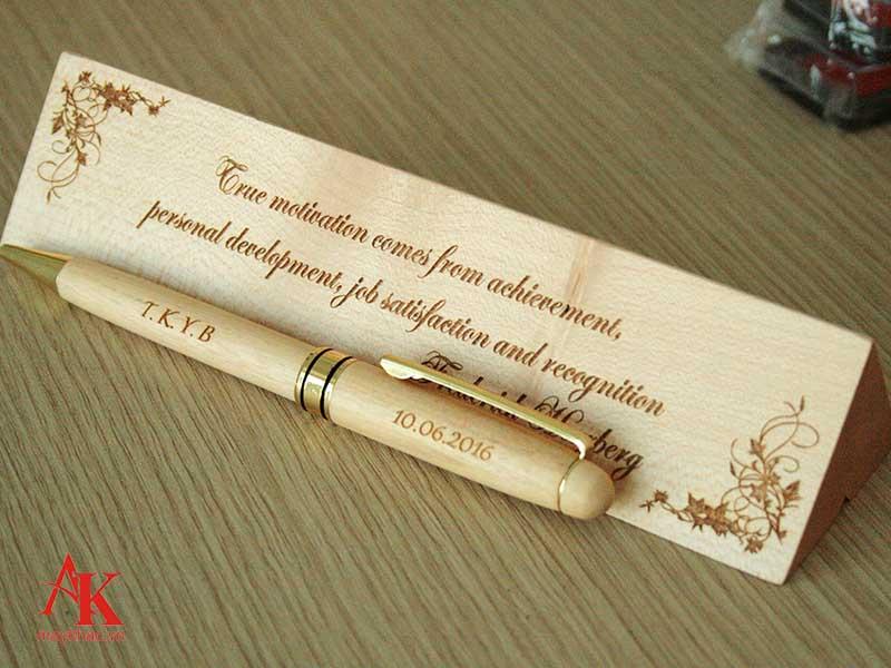 Sản phẩm bút khắc mang lại giá trị thẩm mỹ và kinh doanh cao